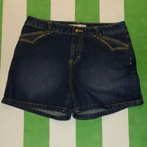 Tommy Hilfiger ladie's denim shorts. Size 8.